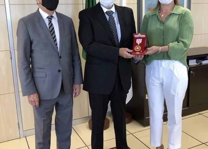 Paco Britto recebe Medalha Mérito Eleitoral